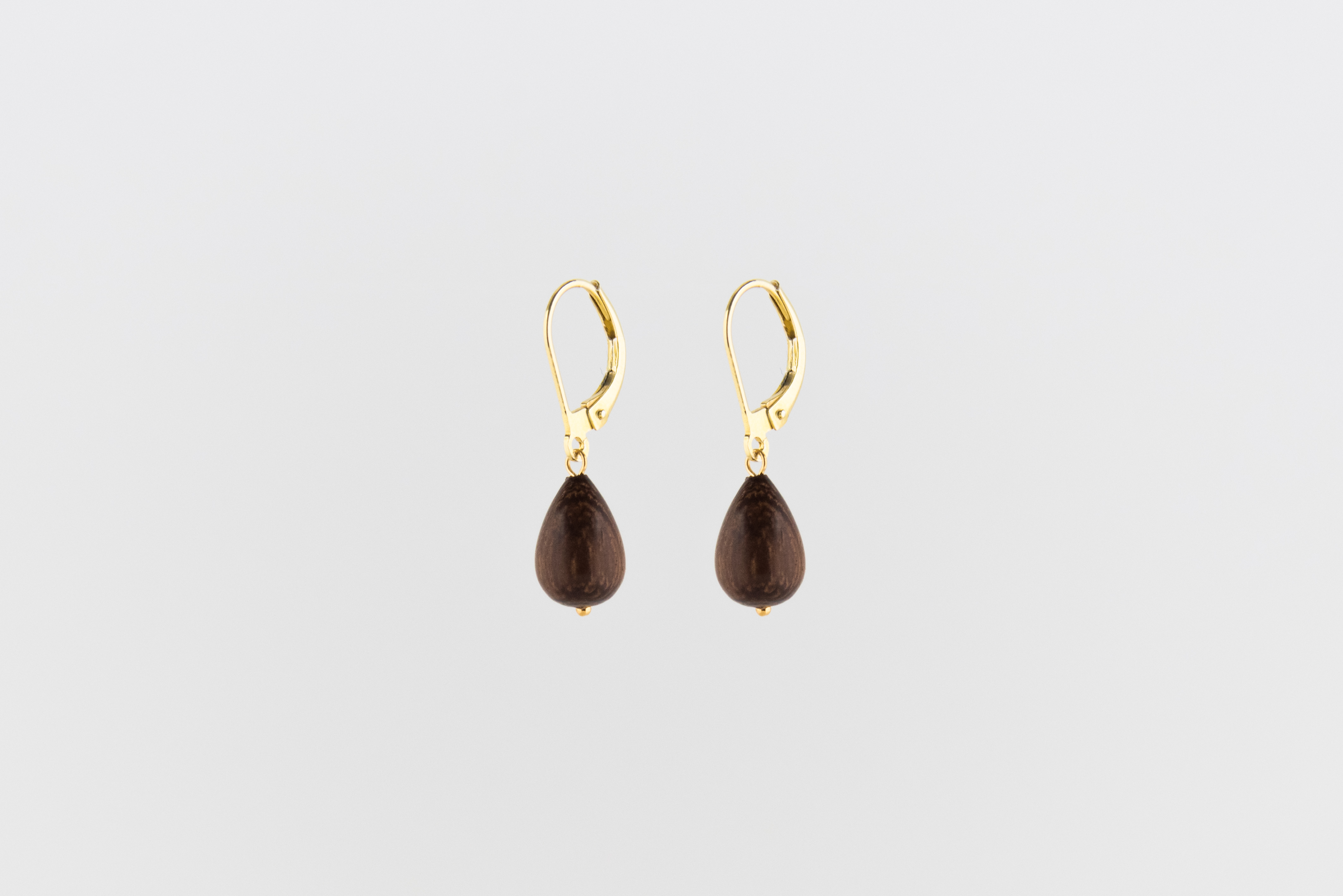 Julia Otilia, Certefied wooden raindrop earring, gold plated, 69.95 Euro